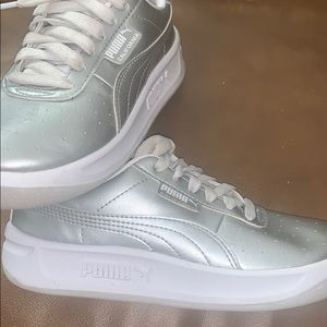 Puma Silver California Metallic Girls Sneakers